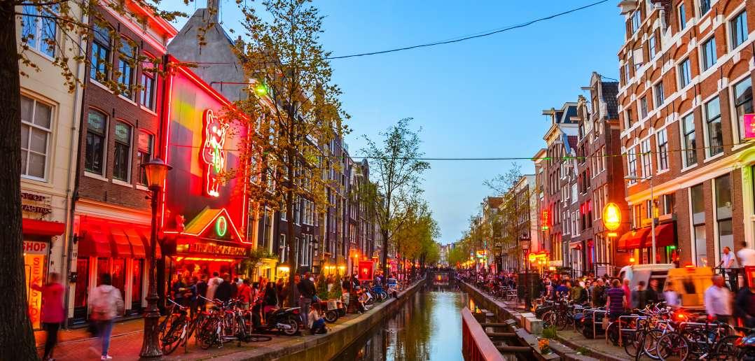 Agenten Nodig Voor 'wetteloze Jungle' Amsterdam